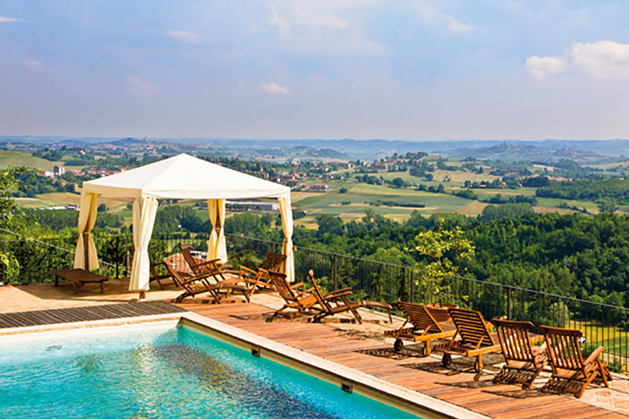 Zona terrazza e piscina - Benessere - Canonica di Corteranzo | Agriturismo Monferrato